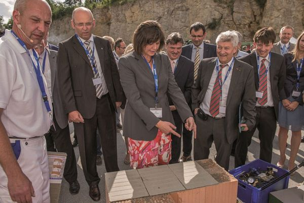 Opening of the OFR lime kiln with Minister of State Ilse Aigner